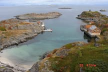 The waters around Stamsund hides small pearls. This place is only minutes away from the cabin.