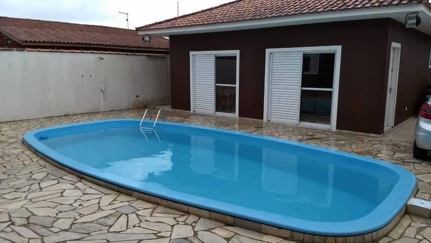 Casa com piscina em balneário Gaivotas
