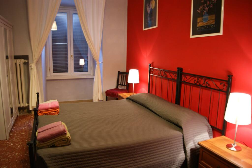 b b roma a casa di sara chambres d 39 h tes louer rome latium italie. Black Bedroom Furniture Sets. Home Design Ideas