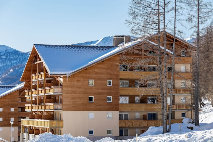 Skiers Paradise in Wooden Chalet-Style Apartment in the Southern Alps!