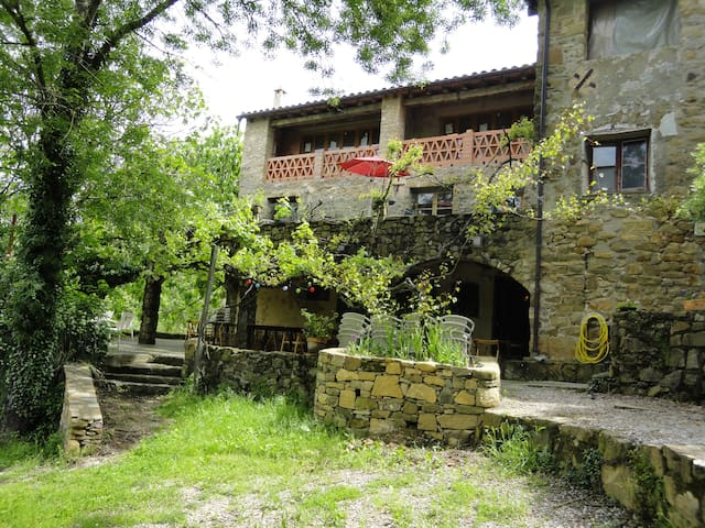 Large family-mountains, well warm & cozy apartment - Montagu i Oix