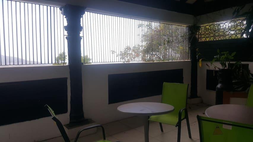 Suninnorbrook Villa King Room with En-suite RM1