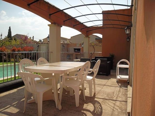 Belle villa avec piscine et jardin clos 3ch 6 pers