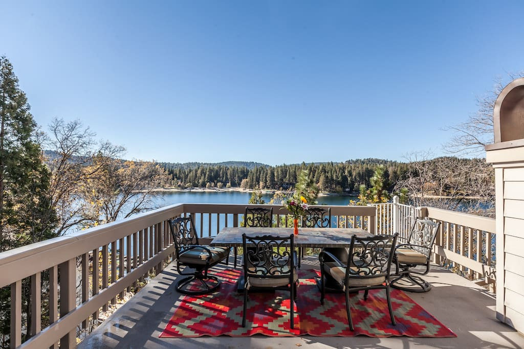 Outdoor dining table with Lake Arrowhead in the background