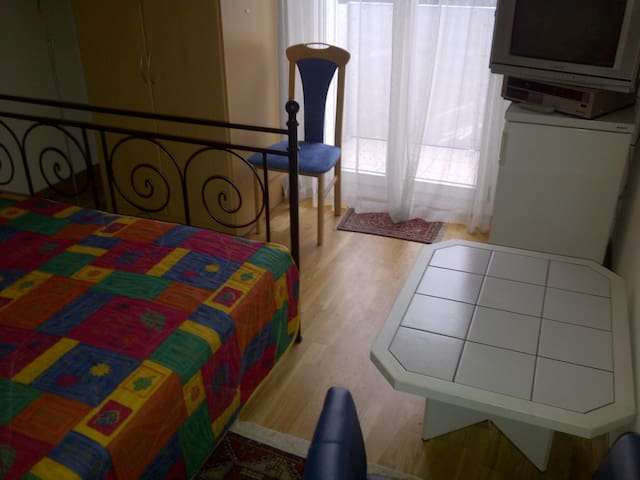 ENJOY Quality DBR/Balcony in BERNE