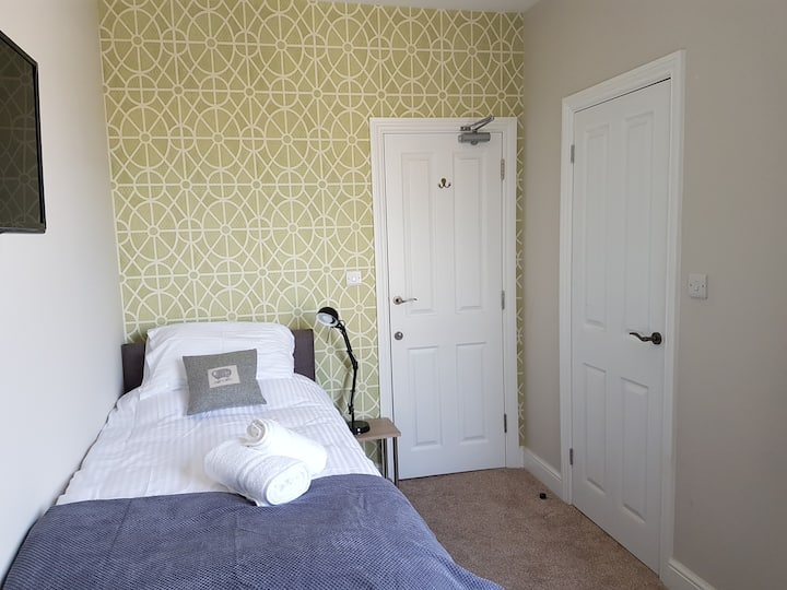 Classic Single Ensuite Room The Railway