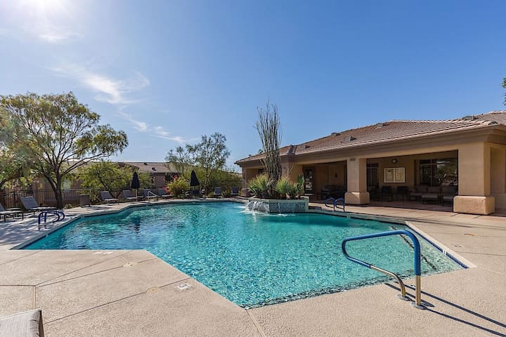 Cachet Condo - 2BR Townhome/COMM Pool/Spa/Hiking/Scottsdale