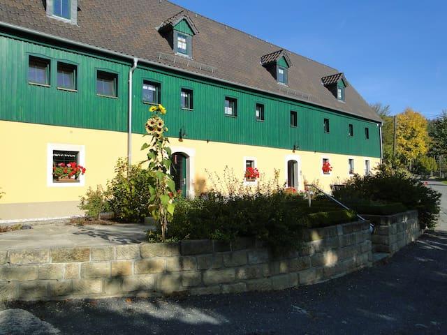 Schöne, rustikale 2 Bettzimmer in der Natur - Bad Gottleuba-Berggießhübel