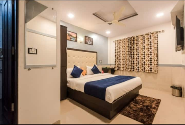 Cozy Double Bed Standard Room near Marol Metro Stn