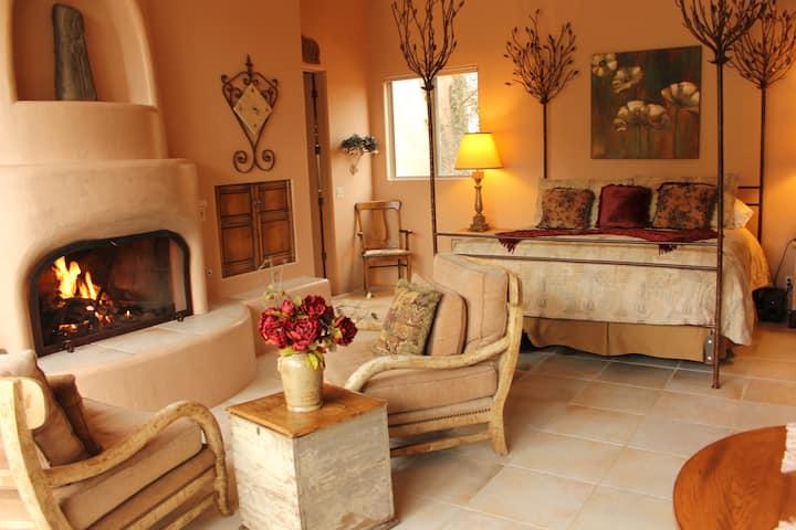 Sunset Romantic Villa @ Adobe Village Inn