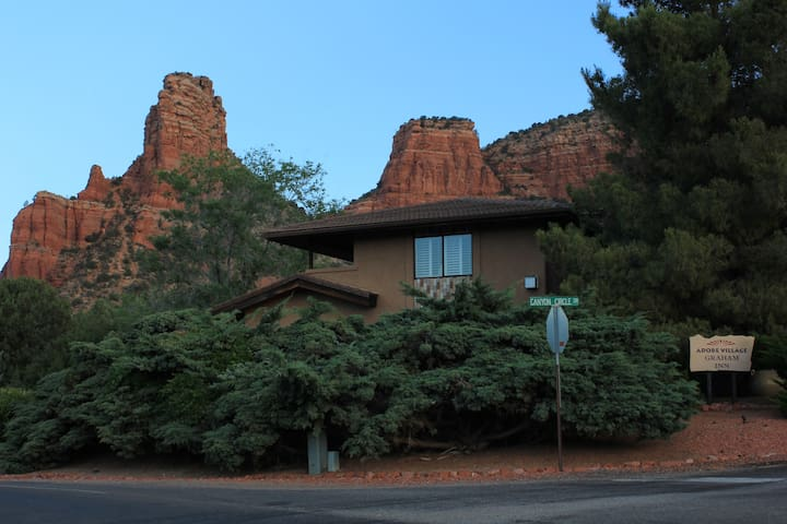 Queen Room at a Real B&B - Sedona - Bed & Breakfast