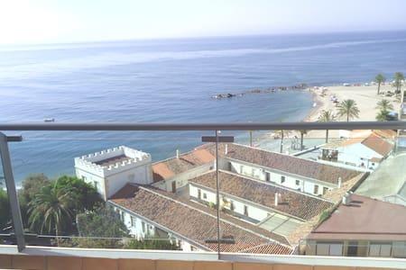 1ª LINEA DE PLAYA, ATICO - Gualchos - Apartemen