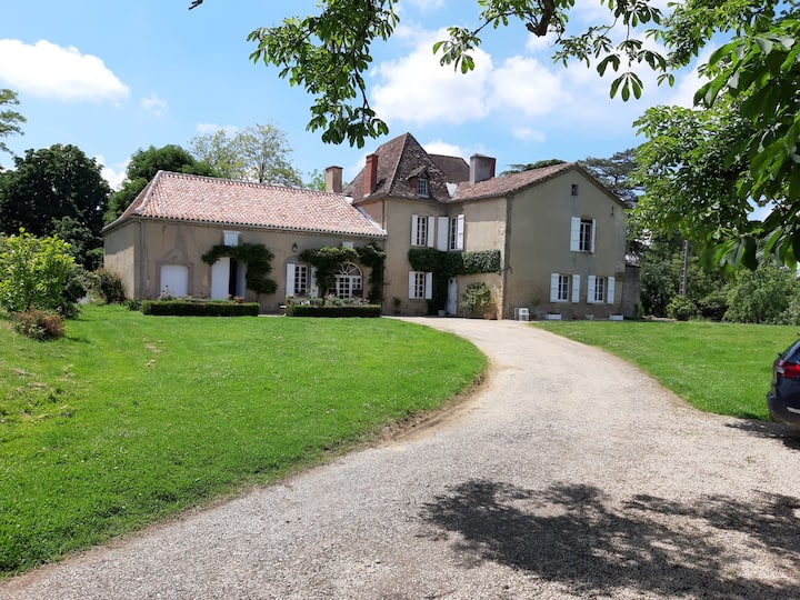 Au Château de Pouydraguin