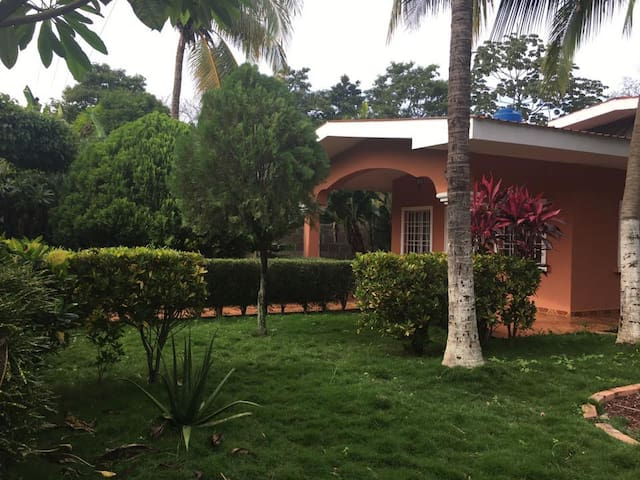 Quinta Mario - Nindirí - House