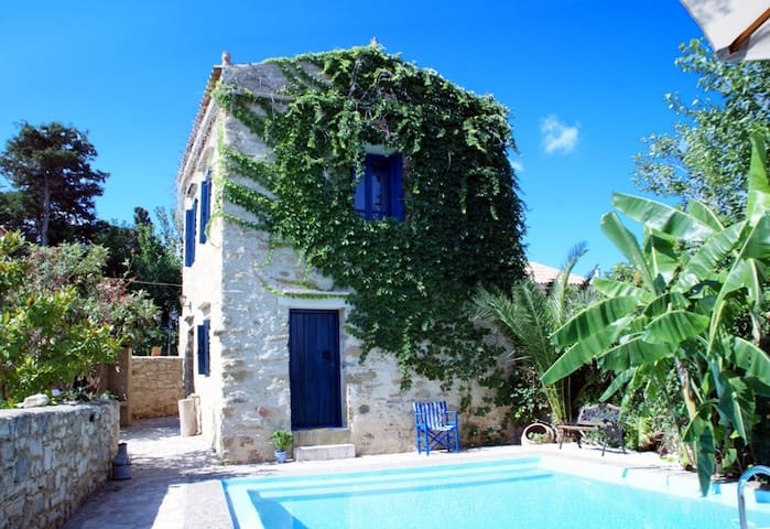 BEAUTIFUL COZY STONE VILLA, PRIVATE POOL FREE WiFi - Khanià