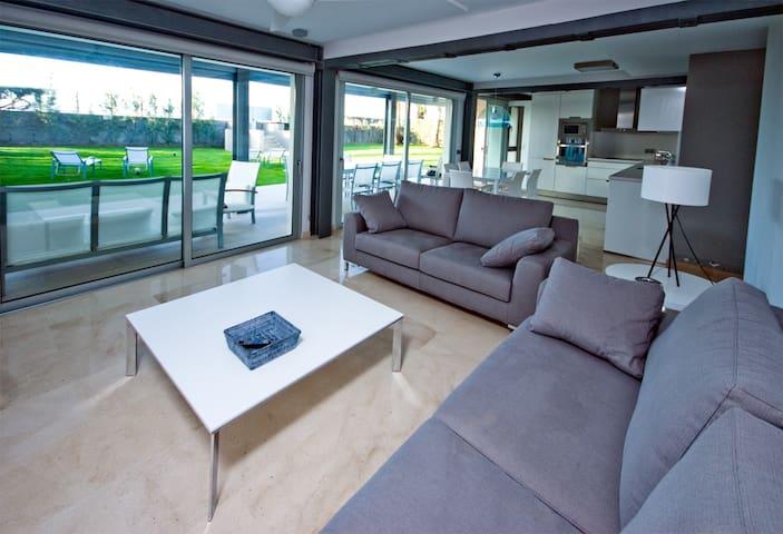 LAS BARCAS Apt 2, Beach apartment 3 bedrooms