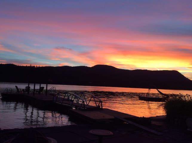 Sakinaw Lake Cabin
