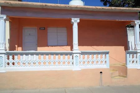 Casa Independiente : Señor Ledua Fernandez Zaya - Ház