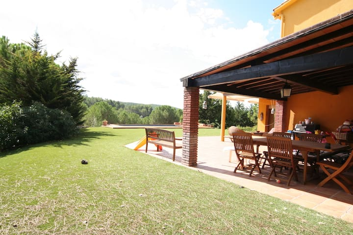 Large Villa at 25 min from Barcelona - Olesa de Bonesvalls