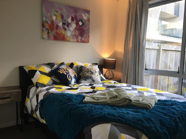Beautiful Secluded Room + Private Bathroom! - Auckland - Townhouse