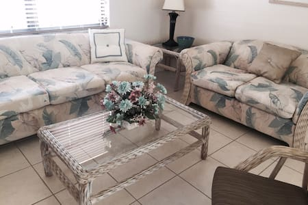 Clean, Quaint Home for Your SW Florida Vacation - North Port