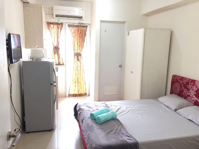 Affordable Studio Room at Green Pramuka City