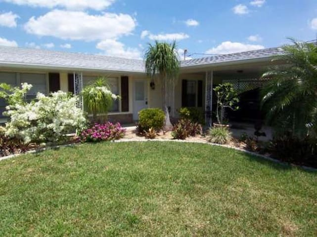 Canal_Point - Cape Coral - Villa