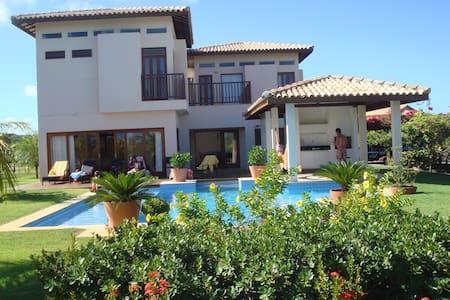 Casa com 4 suites em condomínio de luxo - Mata de São João - Casa