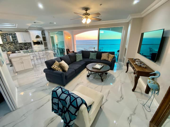 Las Olas Sunset and Oceanfront Paradise2