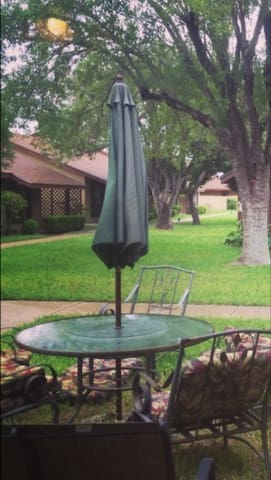 TownHouse Great Location for Relaxing and Shopping - McAllen - Haus