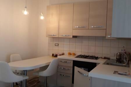 Piccolo appartamentino Santa Marinella  capolinaro