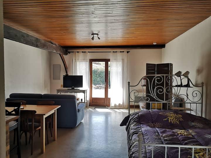 Grand studio  proche Bordeaux, Médoc et océan