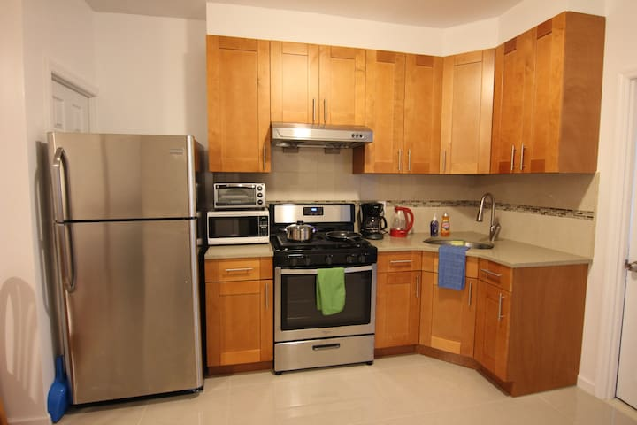 Cozy 3 Bedroom, 20 Minutes to Times Square!