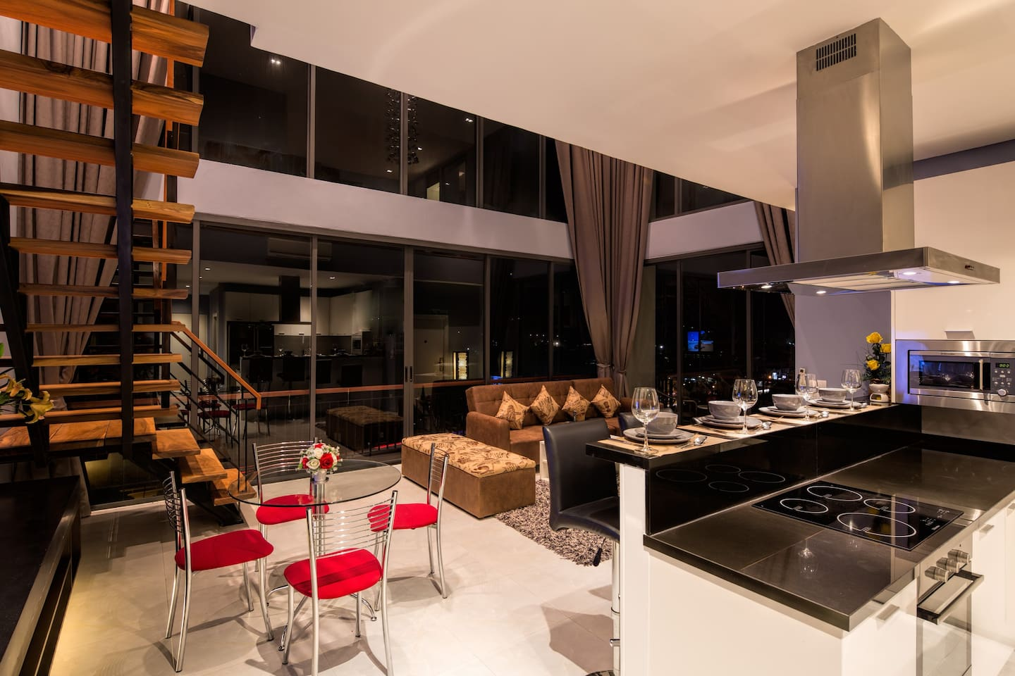 Let this  Luxurious  Penthouse be your home in Phuket!