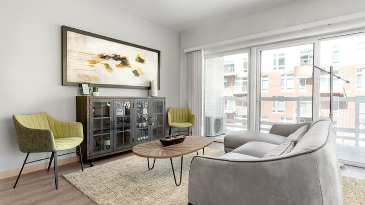 Professionally-cleaned 1BD condo with self checkin