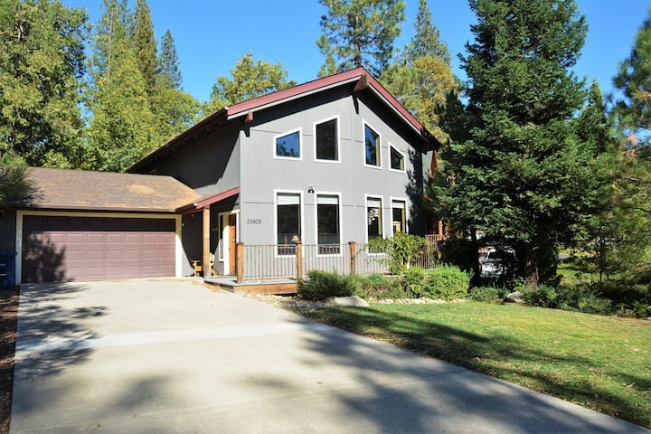 BLE02  Warm & Cozy Home in Bass Lake Estates