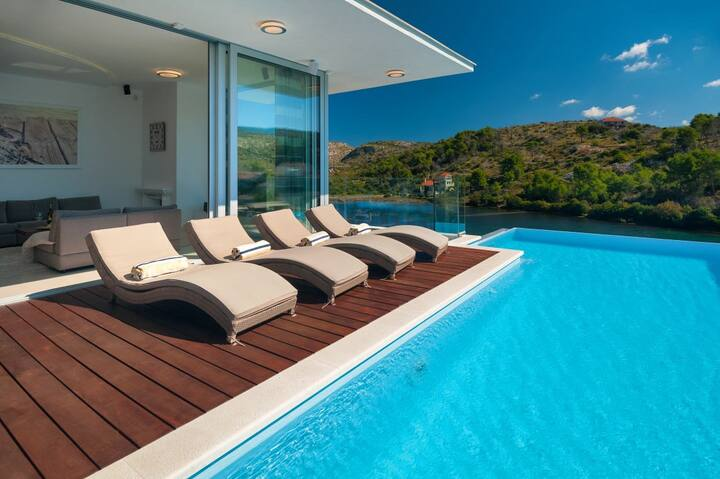 Luxury Beachfront Villa Blue Star of Brac with private pool at the beach on Brac island - Bobovisca