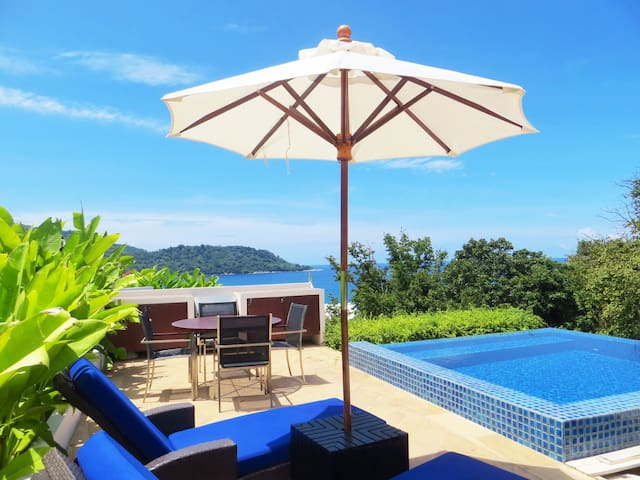 1 Bed Penthouse Private Pool Walk To Beach