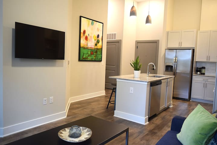Comfortable Suite, Dilworth + Uptown