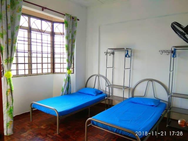 room for guest subang bestari