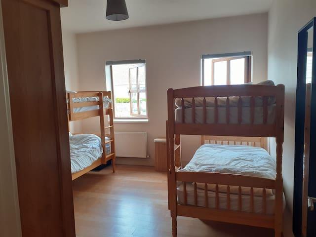 Tí Seoighe - Room 2