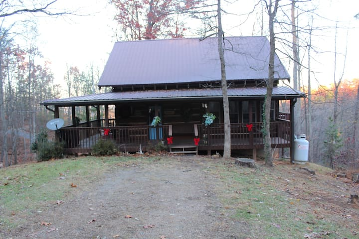 Cabin survived the Gatlinburg fires