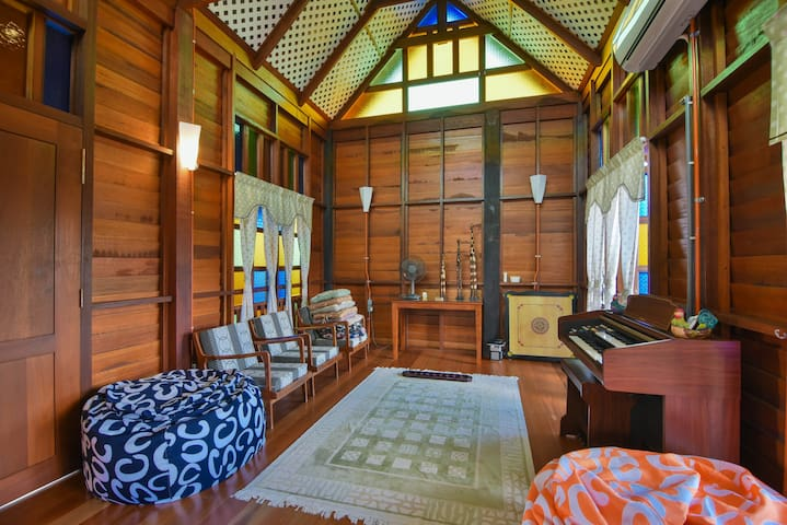 CENTRAL, BIG ROOM, PRIVATE BATHROOM - Melaka - Villa