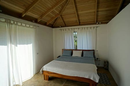 King size Bett in Bungalow 3+4