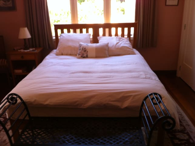 Rose room Havelock North