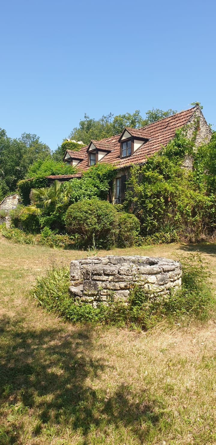 Beautiful, rustic French cottage with private pool