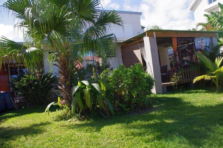 chambre avec terrasse sur jardin