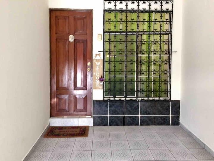 Casa en Merliot fácil acceso, alojamiento entero,