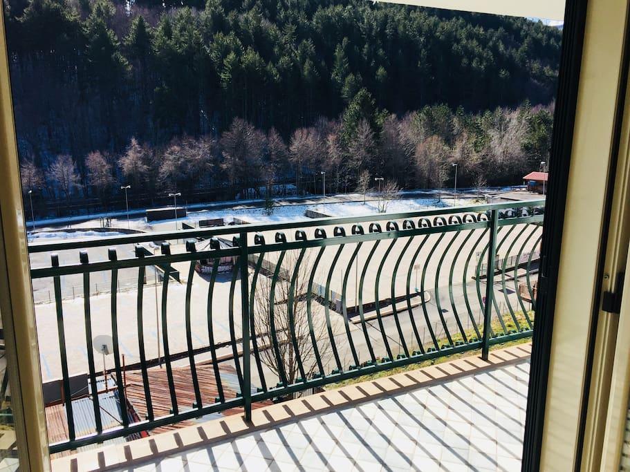 Balcone vista camera da letto matrimoniale