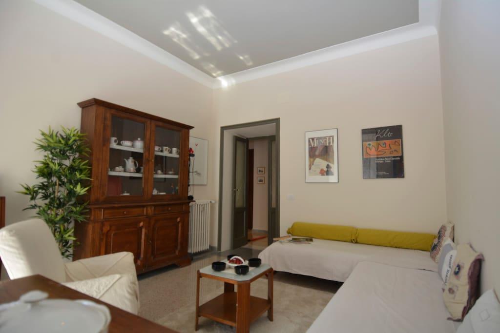2 single beds in room at Prati Rome